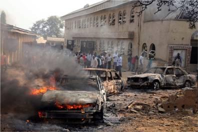 Islamistas mataron a decenas de estudiantes mientras dormían