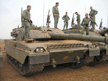 Italia: No hay crisis… para las misiones militares