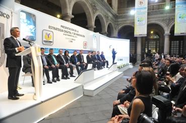 Presenta el doctor Mancera   Estrategia Digital y de Innovación para el GDF